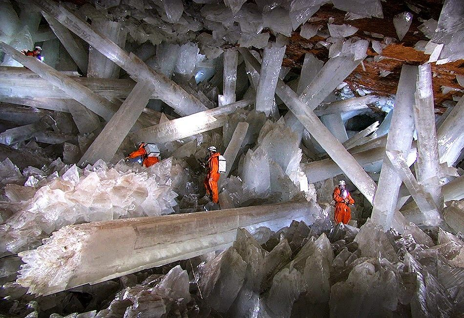 Giant Crystal Cave_Pinterest