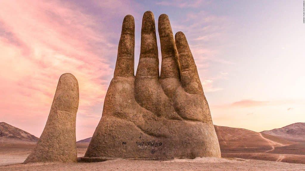 Hand in the Desert_CNN